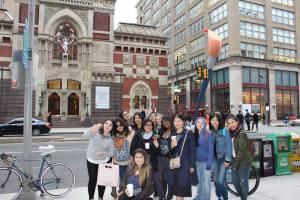 Au Pairs walking tour